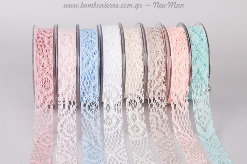Υφασμάτινο Crochet (2.5cm x 9.10m) σε οχτώ υπέροχες παστέλ αποχρώσεις.