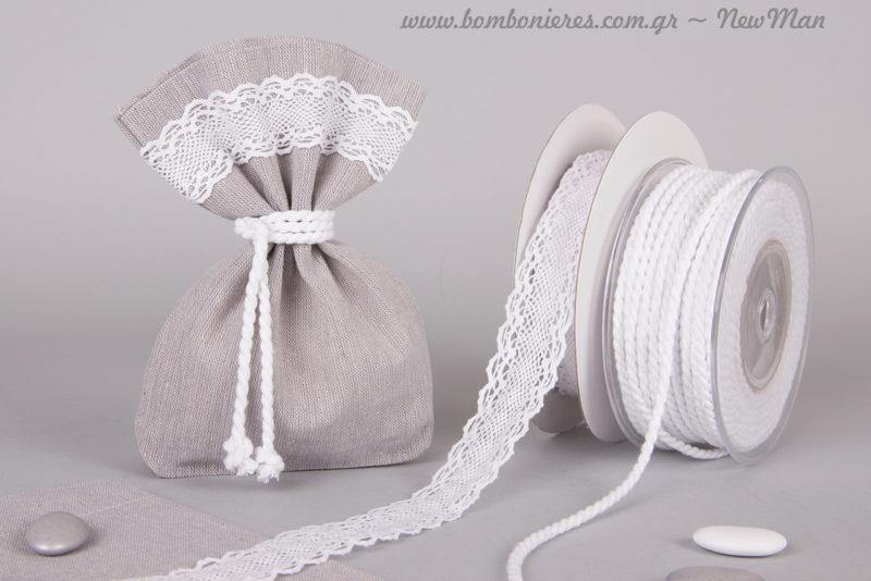 Βαμβακερό κορδόνι (4mm x 25m) και δαντελένια κορδέλα (3cm x 10m) για τα υφασμάτινα πουγκάκια με πάτο.
