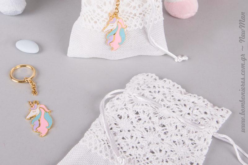 Υπέροχα μικρά πουγκάκια (δαντέλα-καμβάς) για την μπομπονιέρα της βάπτισης και κουφέτα σοκολάτας Bijoux Supreme.