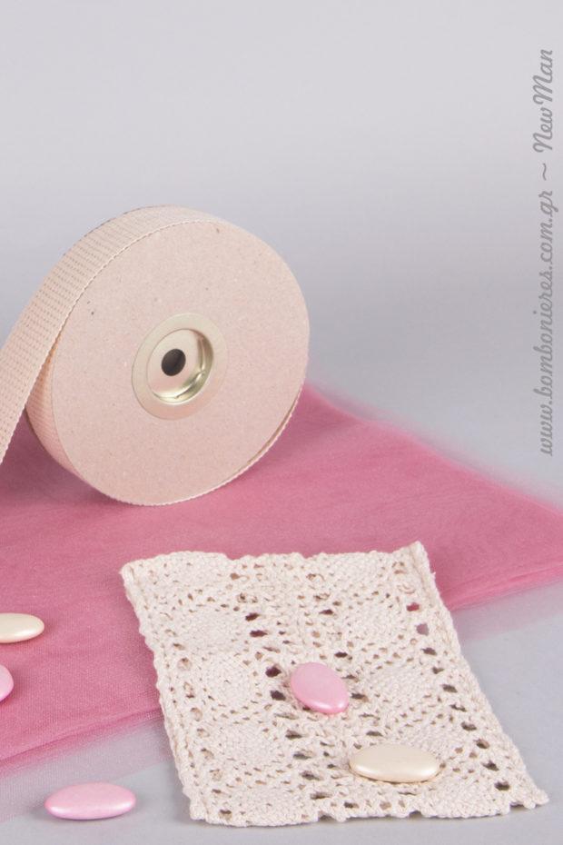 Δαντελένιο πουγκί και dusty pink αποχρώσεις για το γάμο ή τη βάπτιση της μικρής σας πριγκίπισσας.
