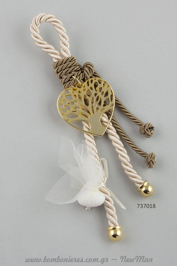 Μπομπονιέρα γάμου – «γούρι» με μεταλλικό διακοσμητικό κρεμαστό δέντρο σε καρδιά (737018).
