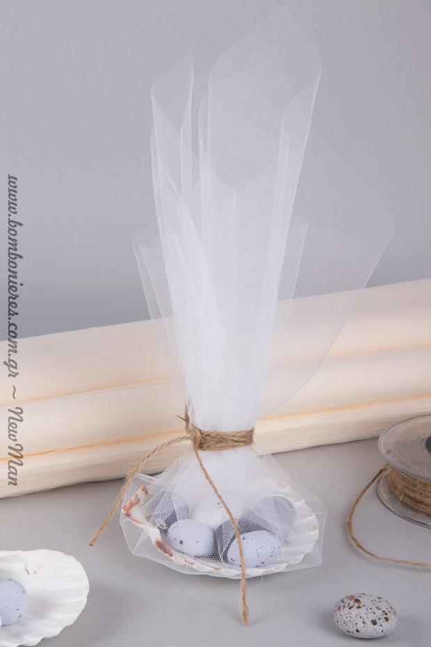 Χρησιμοποιήστε μονό φύλλο (τούλι) κι αφήστε τη διαφάνεια να ανοίξει την όρεξη στους καλεσμένους σας να δοκιμάσουν τα υπέροχα κουφέτα Χατζηγιαννάκης.