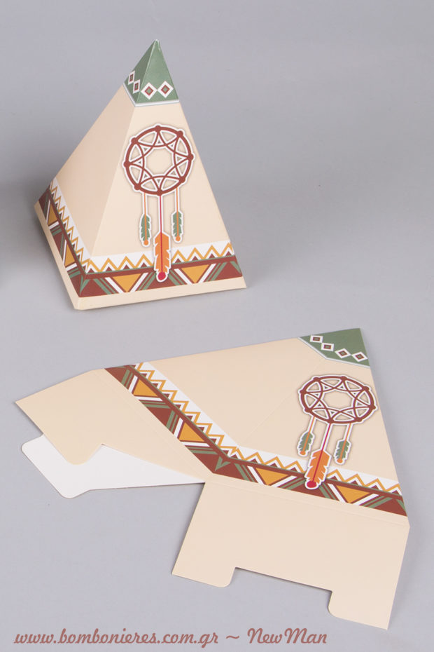 Χάρτινη ινδιάνικη σκηνή (teepee) με σχέδιο ονειροπαγίδα σε γήινους τόνους.