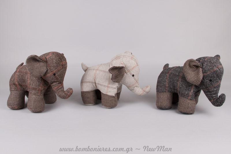 Σούπερ χαριτωμένα υφασμάτινα ελεφαντάκια (στοπ πόρτας) για τη λειτουργική διακόσμηση του παιδικού δωματίου.