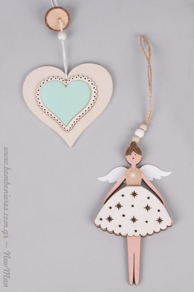 Κρεμαστή διπλή καρδιά (ξύλο) και κορίτσι με φτερά αγγέλων σε αποχρώσεις κιμωλίας.