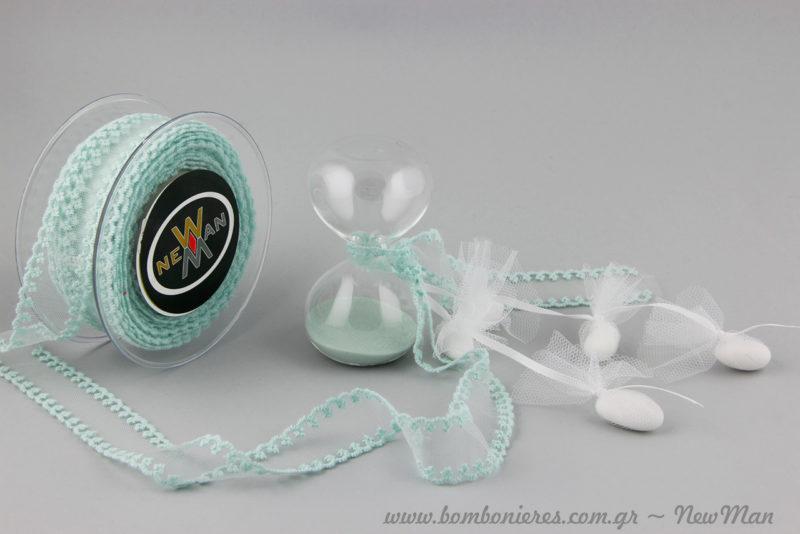 Μπομπονιέρα - κλεψύδρα σε βεραμάν αποχρώσεις κατάλληλη τόσο για γάμο όσο και για βάπτιση.