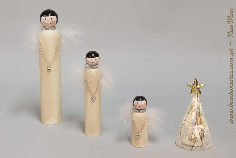 Ξύλινες φτεροχνουδωτές Αγγελίνες (10cm, 18cm, 25cm) και μίνι γυάλινο δεντράκι με φως LED για την χριστουγεννιάτικη διακόσμησή σας.