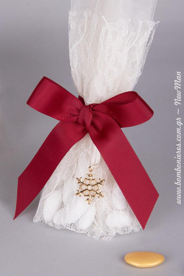 Ταιριάξτε τη μεταλλική διακοσμητική χιονονιφάδα (χρυσό) με την απόχρωση των κουφέτων Χατζηγιαννάκης (Bijoux Supreme).