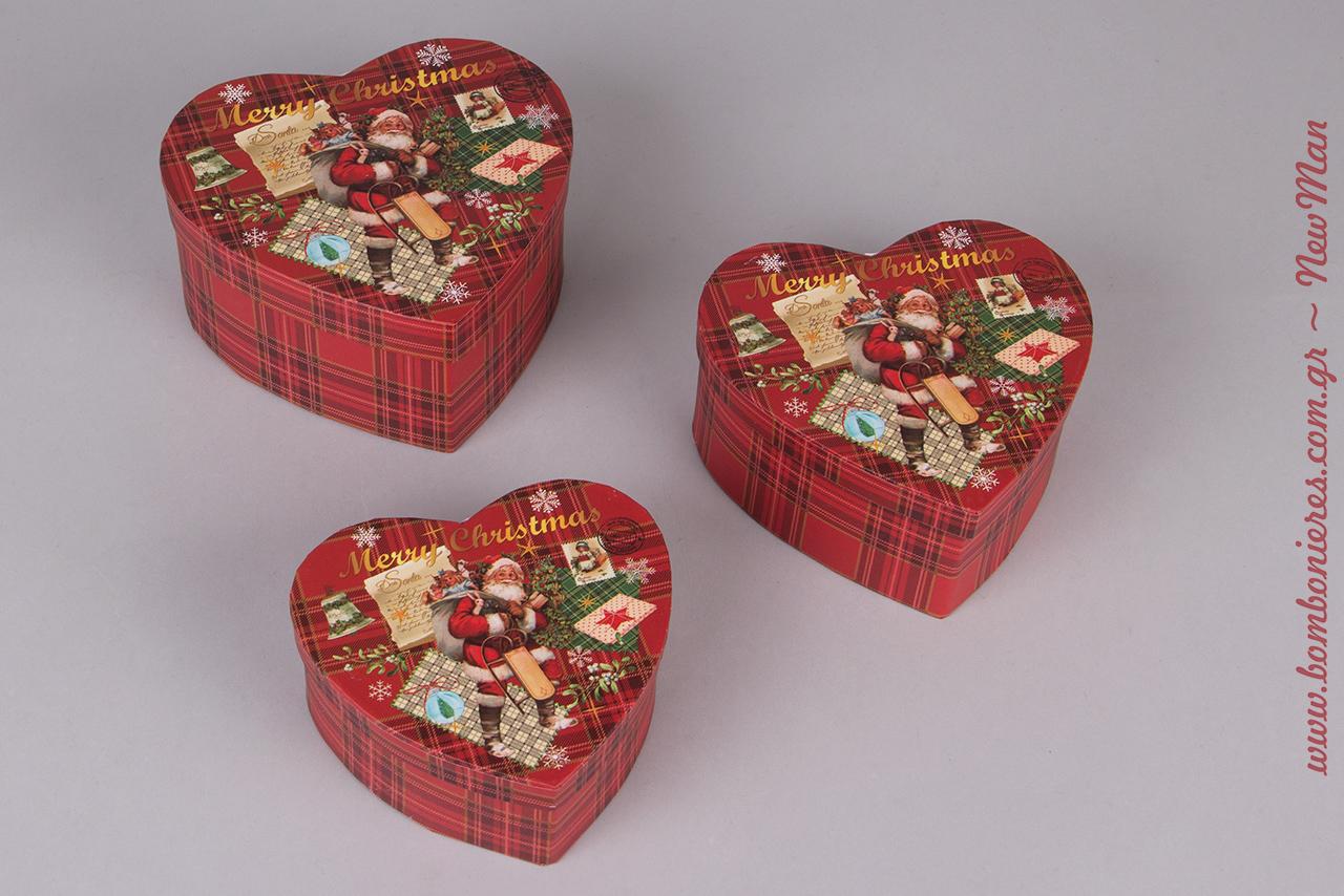 Χάρτινα καρό κουτιά σε σχήμα καρδιάς γιατί αγαπάμε τα Χριστούγεννα, τον Αγ. Βασίλη και το υπέροχο πνεύμα των γιορτών (11x11x5cm, 13x13x6cm, 15x15x7cm).