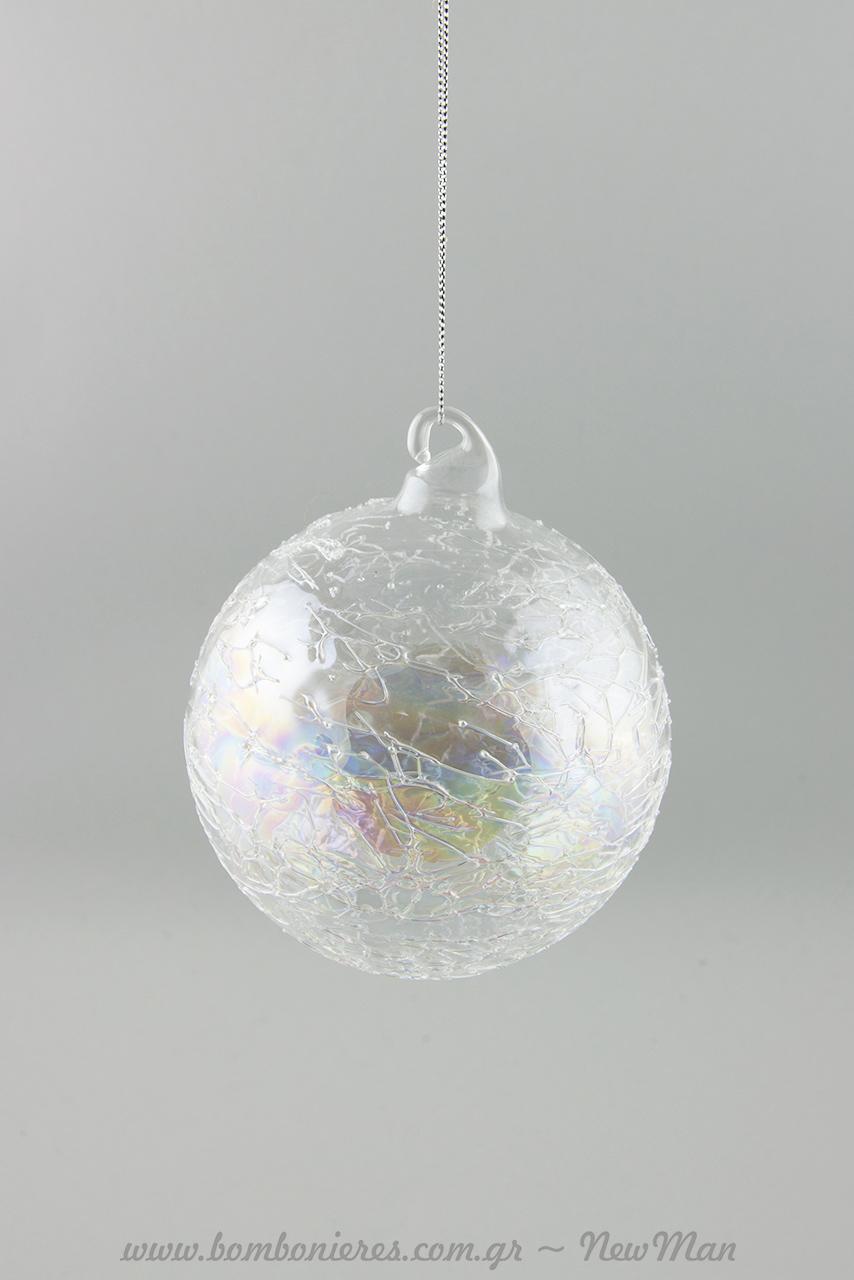 Γυάλινη διάφανη μπάλα γεμάτη ιριδισμούς και ανάγλυφη, παλαιωμένη επιφάνεια (κρακελέ) σε δυο μεγέθη: 8cm και 10cm.