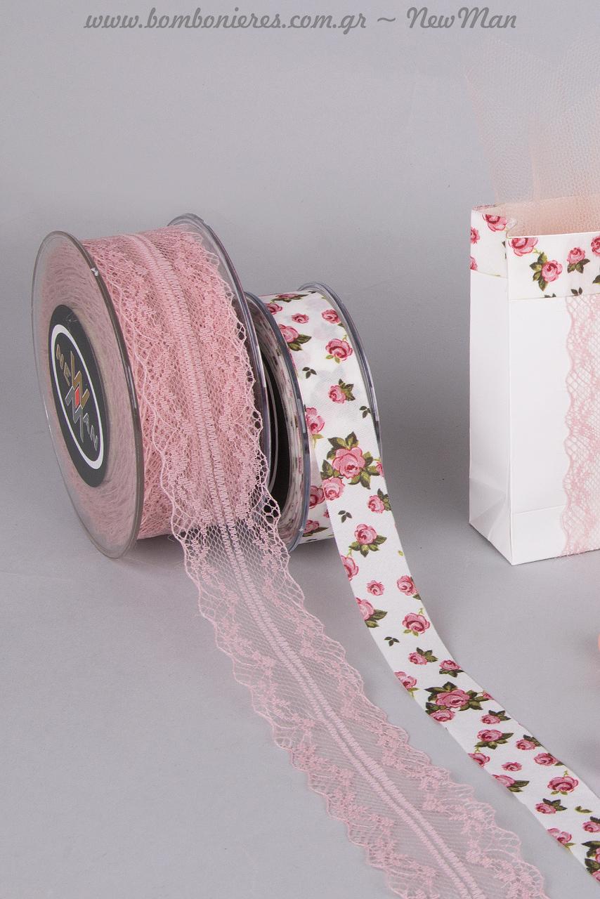Κορδέλα Old-Time-Classic σε παλιό ροζ και κορδέλα Rosa Multiflora για μια ρομαντική κι αιθέρια μπομπονιέρα.