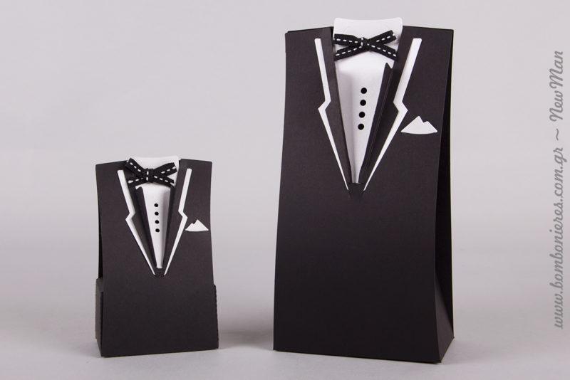 To μαντηλάκι και το παπιγιόν του γαμπρού δεν ανήκουν στο σώμα του κουτιού αλλά διατίθενται ξεχωριστά.