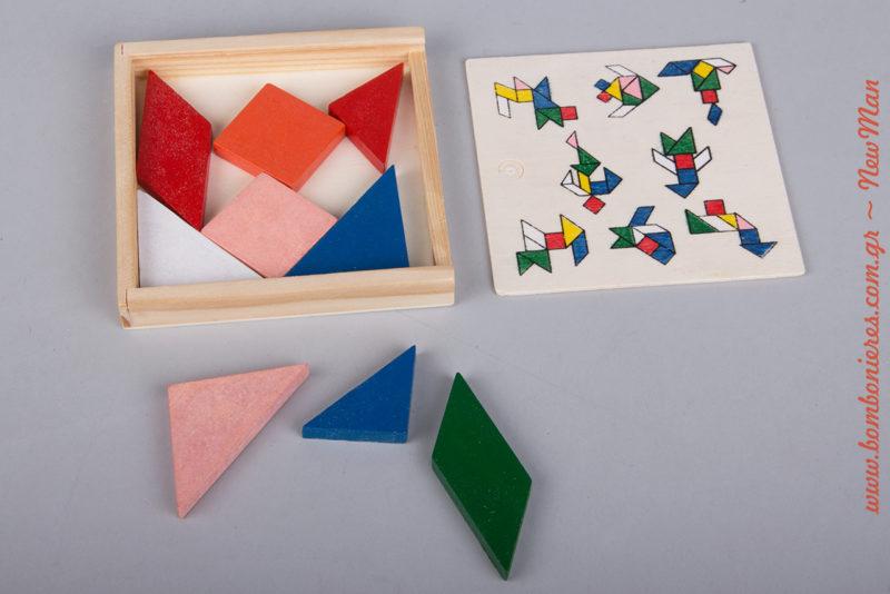 Το τάνγκραμ είναι ένα είδος παζλ που αποτελείται από επίπεδα πλακίδια που ονομάζονται ταν, τα οποία ενώνονται για να σχηματίσουν συγκεκριμένα σχήματα.