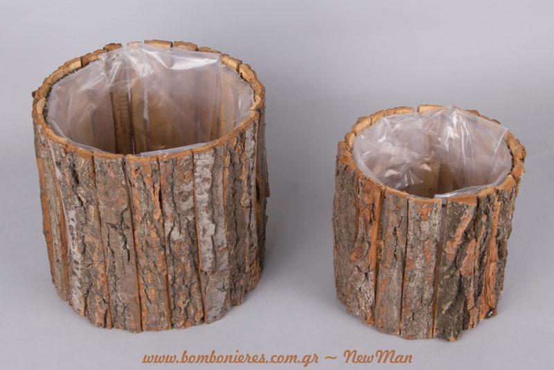 Ξύλινα κασπώ κορμός Νο 1 (17 x 17cm) και Νο 2 (20 x 20cm) για ένα ρουστίκ στολισμό που θα κλέψει τις εντυπώσεις.