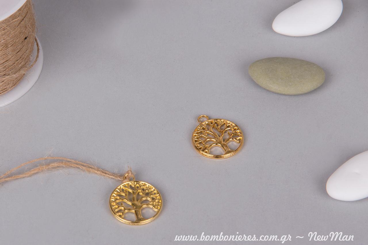 Διακοσμητικό κρεμαστό μεταλλικό Δεντράκι της Ζωής (2cm). Διατίθεται επίσης σε μπρούτζινη και ασημένια απόχρωση.