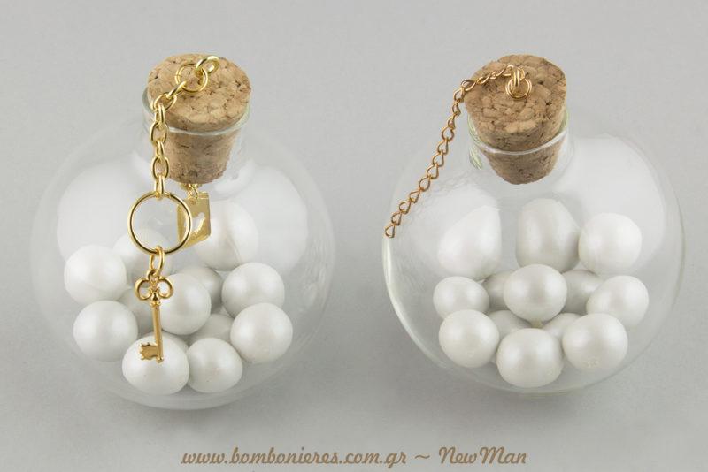 Μια συμβολική μπομπονιέρα για την ημέρα που θα χαρίσετε κι επίσημα το κλειδί της καρδιάς σας στον/ η εκλεκτό/η σας σύντροφο.