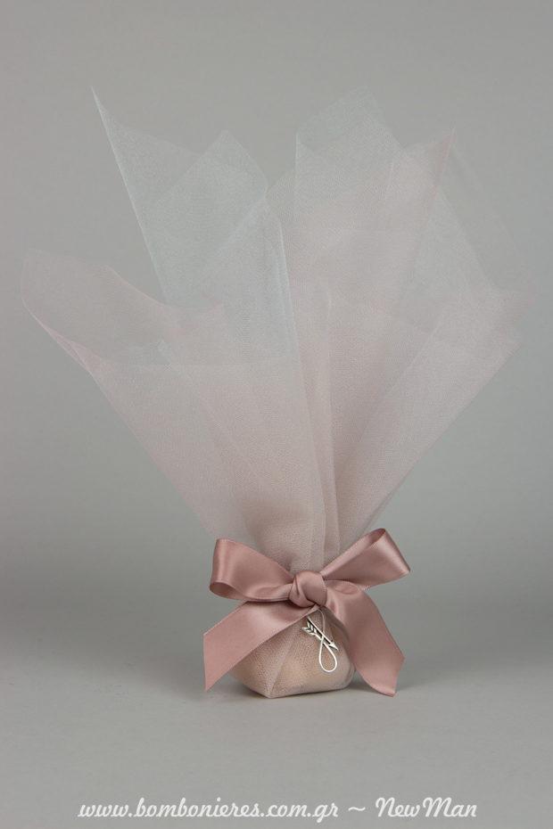 Mia romantiki klasiki toylini mpomponiera pou tha entypwsiasei me to ploysio xrwmatiko tis vathos stis apoxrwseis tis roz paiwnias.