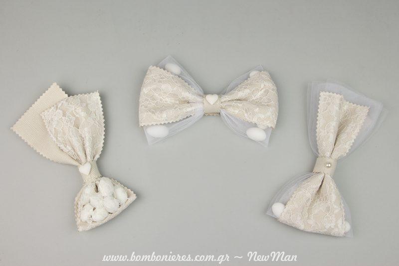Μπομπονιέρα σε διπλό πουγκί-λουρίδα (τρεις διαφορετικές παραλλαγές) για ένα πανέμορφο ενθύμιο του γάμου σας σε κλασικό, ρομαντικό στυλ.