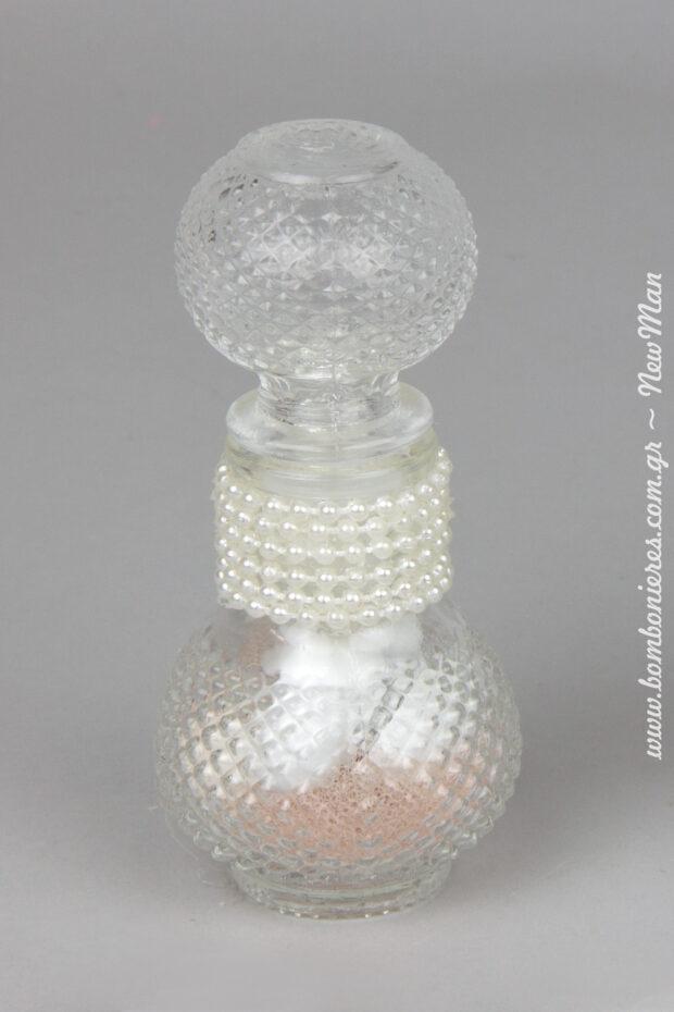 Gyalino anaglyfo mpoukali (60ml), diakosmimeno me xantres – tresa pou moiazoun me mikres perles gia mia romantiki vintage mpomponiera.